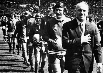 Bill Shankly leading out LFC before the FA cup final, 1974