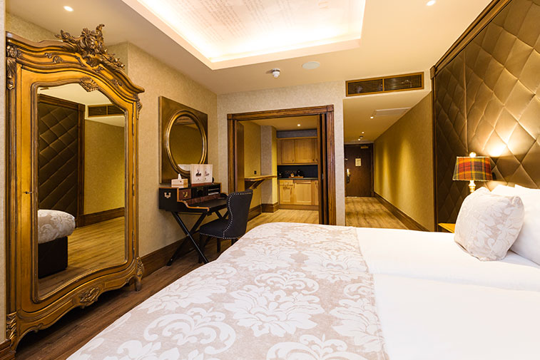 Shankly Room - afternoon tea and stay