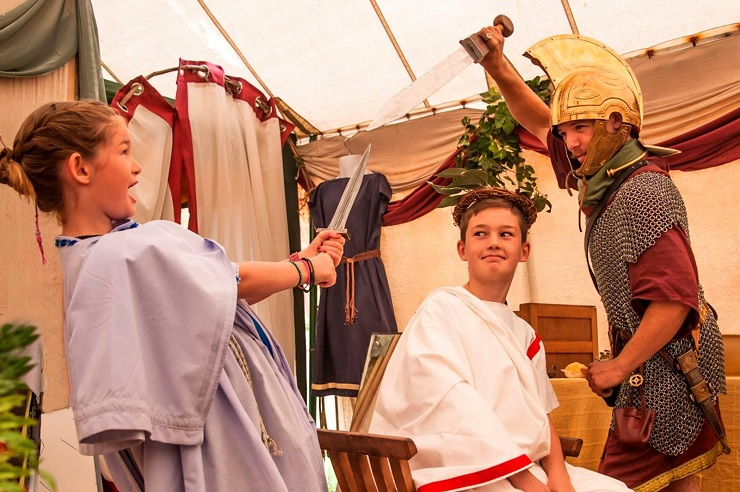 The Romans Mini Easter kids special - Easter activities